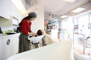 頭のケアやヘアスタイルの改善が出来るヘッドスパとは、自宅でも出来るヘッドスパの紹介 初心者編