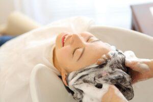 頭皮の血行不良の原因や改善策について